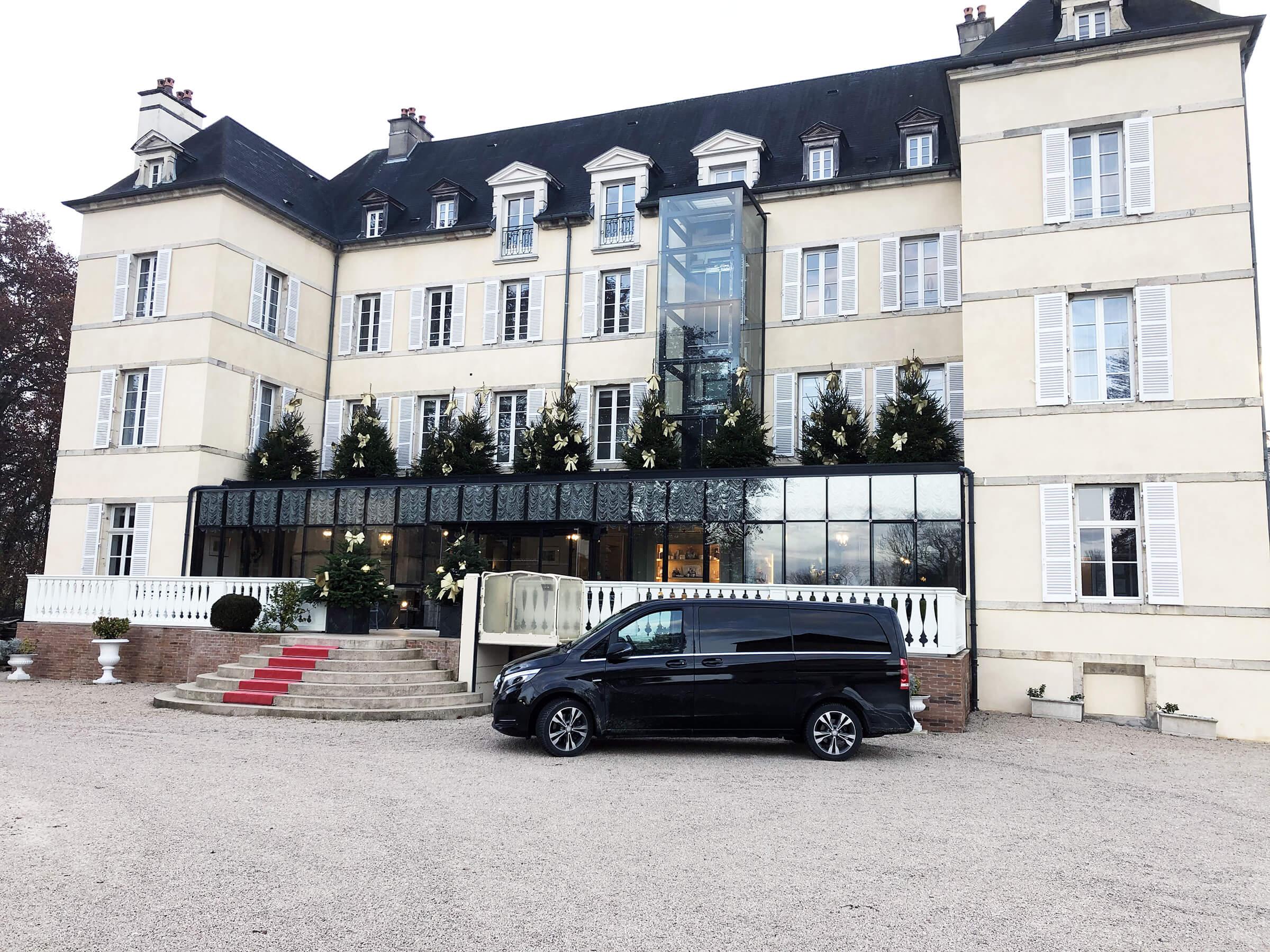 bourgogne-discovery-transport-prive-de-personne-liaison-aeroport-hotel-visite-domaine-bourgogne-france-franche-comte-chateau-saulon